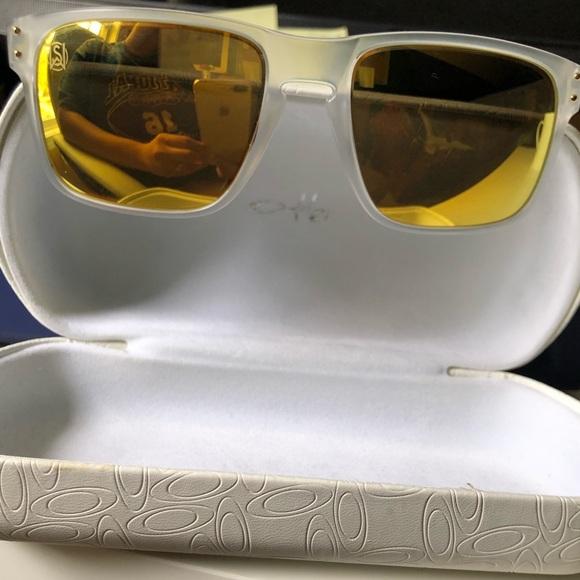 6b27e40a7f17 Shaun White Signature Series Holbrook Sunglasses. M 5cafa16d7a8173f48eba0f36
